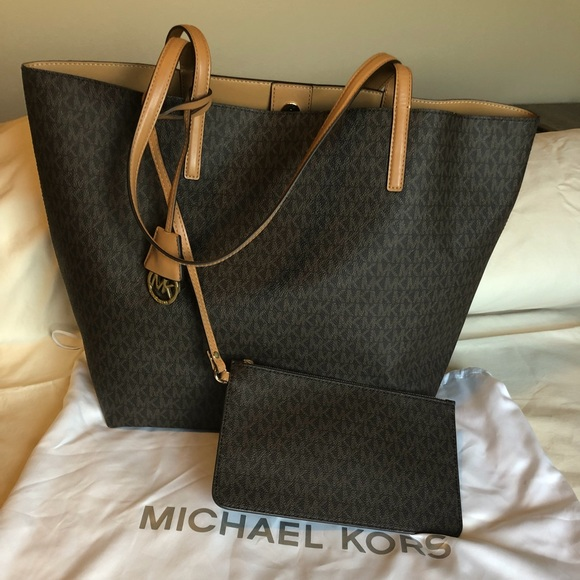 9511d23f0a23 BRAND NEW Authentic Michael Kors Hayley Large Tote.  M 5b0f586a3a112e2d0fcae7bf